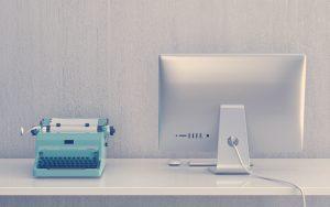 La evolución tecnológica de una máquina de escribir a un computador