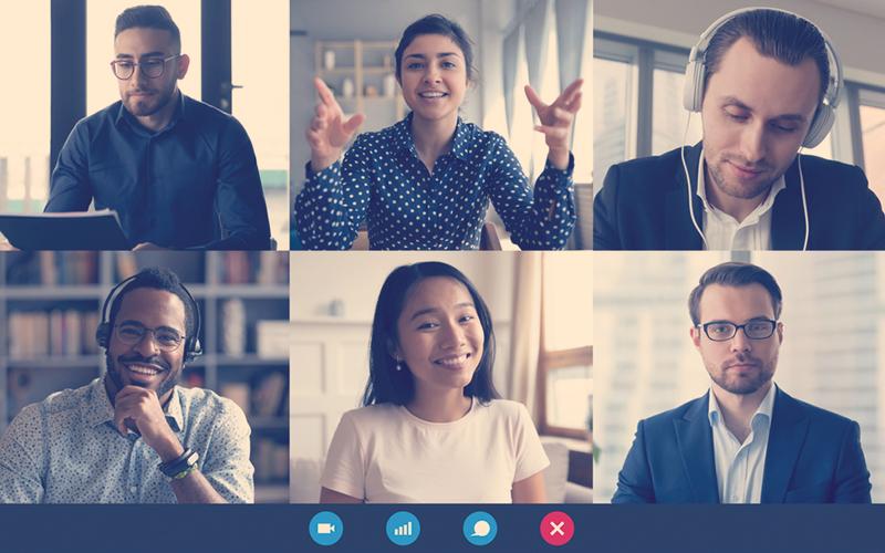 Compañeros de trabajo en una videollamada