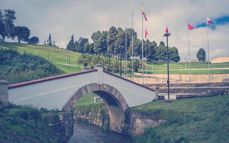 Puente de Boyacá en el río tiatinos