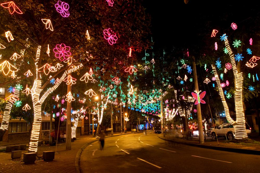 Medellín decorada con luces navideñas