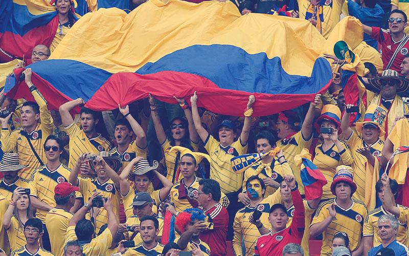 Hinchas apoyando a la Selección Colombia