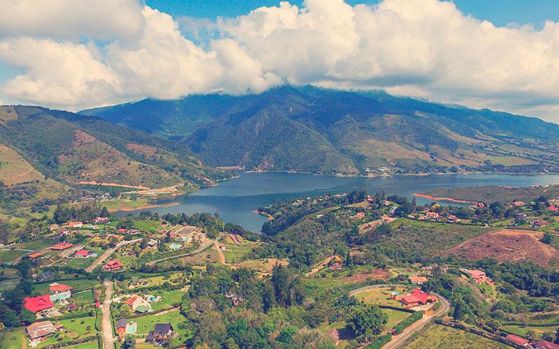 panorámica Lago Calima